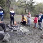 Opékání vuřtů v lomu u Pavlovic